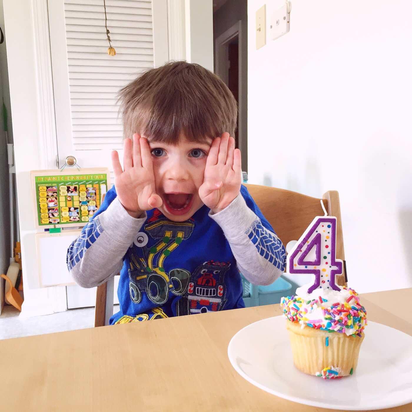 4 cupcake